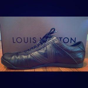 Louis Vuitton Men's leather low top sneakers